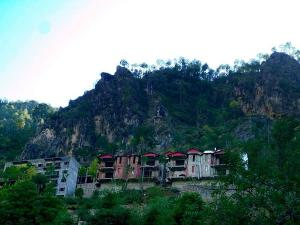 Salogra Himachal Pradesh Travel Guide Attractions How To Reach