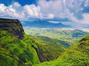Places To Visit In April In Maharashtra