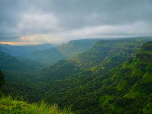 Travel To The Picturesque Ambolihill Station From Mumbai