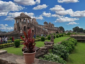 Best Places To Palces To Visit In April In Madhya Pradesh