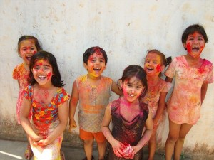 Extraordinary Places To Visit For Holi Celebration In India