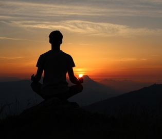 Idyllic Meditation And Yoga Retreats In India