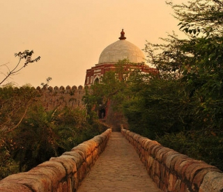 Tughlaqabad Fort In Delhi – A Ruined Yet Alluring Monument From The Past