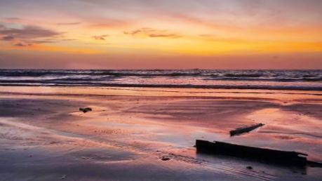 Visit Guhagar Beach, A Tropical Paradise
