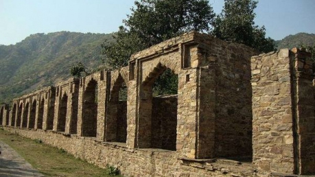 Know About The Legally Haunted Place Of India: Bhangarh Fort