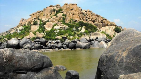 Top Places In Karnataka Which Are Heaven For Rock Climbers