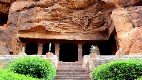 Explore These Cave Temples In Karnataka This Season