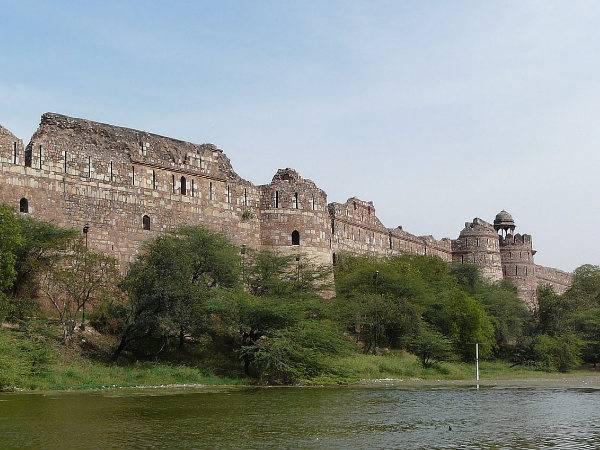 Top Places To Visit Near Pragati Maidan Delhi