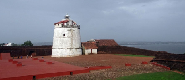 Must Visit Forts Of Goa