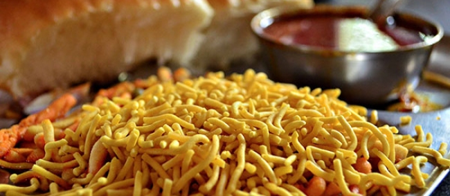 Your One Stop Guide To The Street-Eat Crawls Of Mumbai