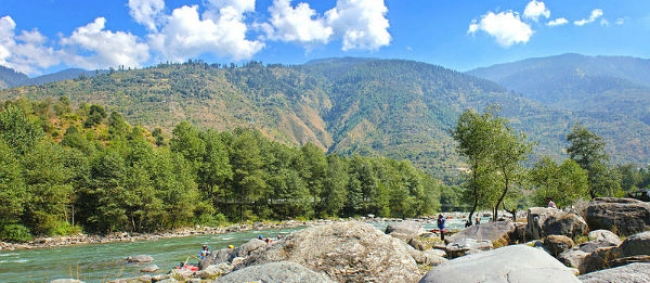 A Quaint Town On The Banks Of River Beas In Himachal Pradesh