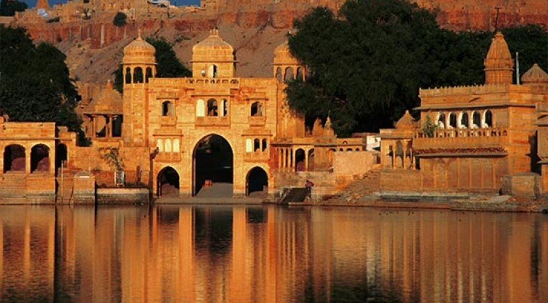 Discover The Beauty Of These Lake Temples In India