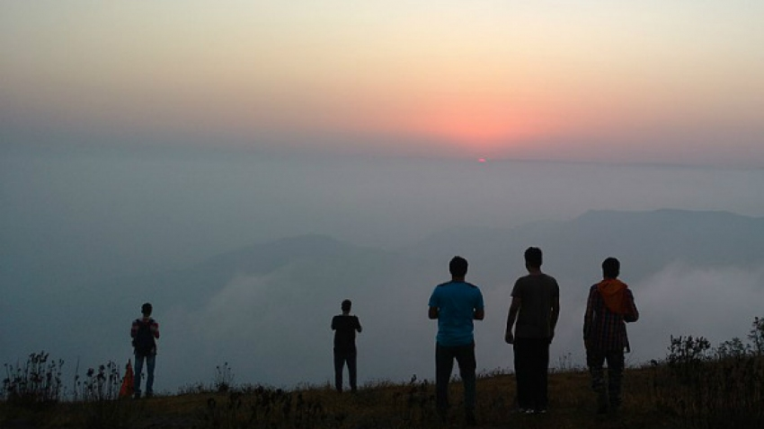 Here's Why Manikgad Fort Near Mumbai Should Be Your Next Destination