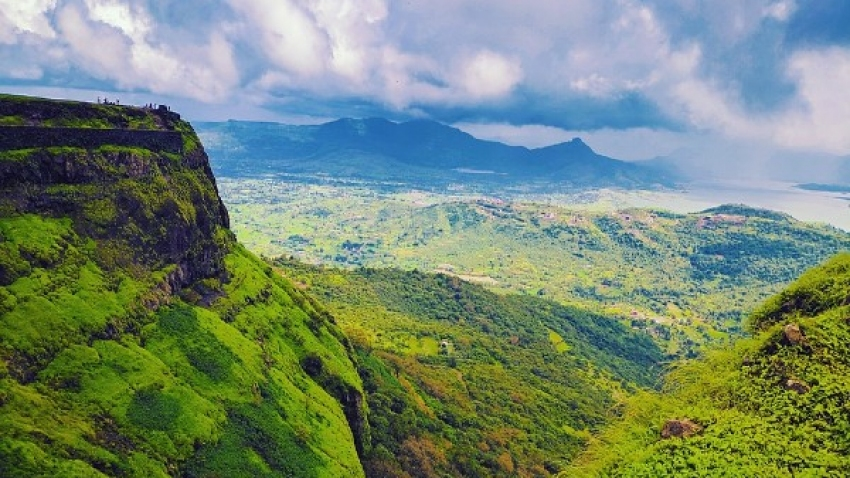 10 Best Places To Visit In Maharashtra In April