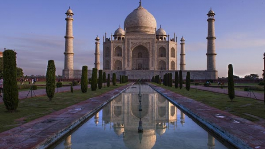 10 Must-Visit Places In Alluring Agra