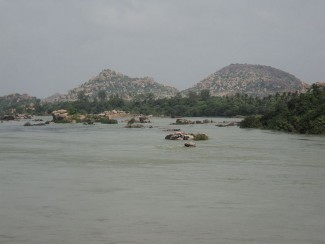 essay on tungabhadra river in telugu