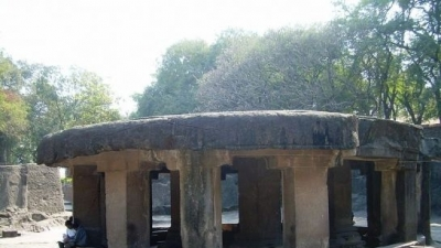 പാതാളേശ്വര് ഗുഹാ ക്ഷേത്രം