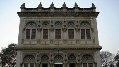 ഷിന്ഡേസ് ഛത്രി