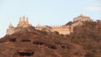 തദാവജ് ഹില്