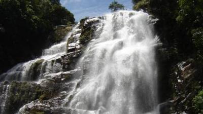 జయంతియా కొండలు