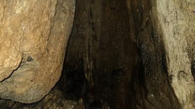 मॉस्मई गुफा