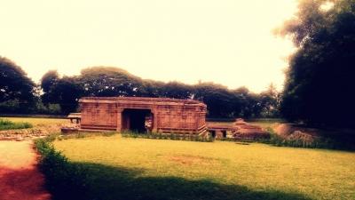 भूमिगत मंदिर