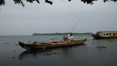 പാതിരാമണല്