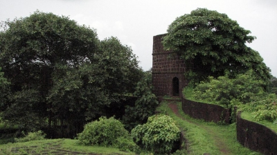 Jaigad Lighthouse And Fort