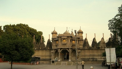 ಹುತೀಸಿಂಗ್ ಜೈನ ದೇವಾಲಯ