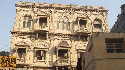 ಹಳೆಯ ನಗರ ಮತ್ತು ಅಹಮದಾಬಾದ್ ನಗರದ ಗೋಡೆಗಳು