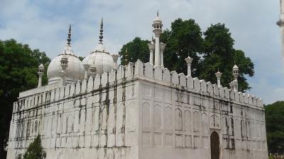 मोती मस्जिद