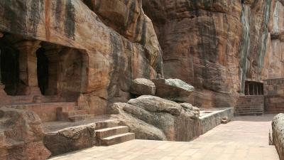 ಗುಹಾ ದೇವಾಲಯಗಳು