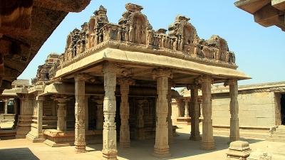ಹಜಾರ ರಾಮನ ದೇವಾಲಯ