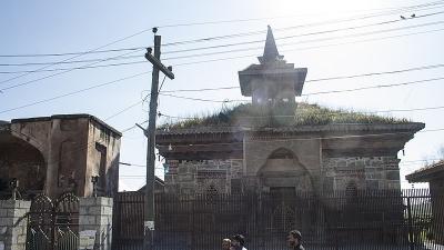 मदिन साहिब का मकबरा