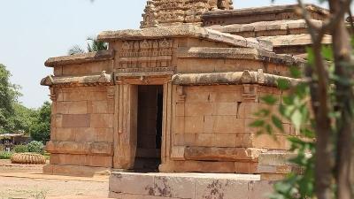 சரந்திமாதா கோயில்கள்
