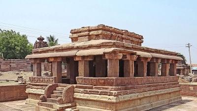 கௌடா கோயில்