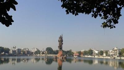 ಸುರ್ ಸಾಗರ್ ತಲಾವ್