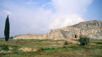 साइक्लोपियन दीवार
