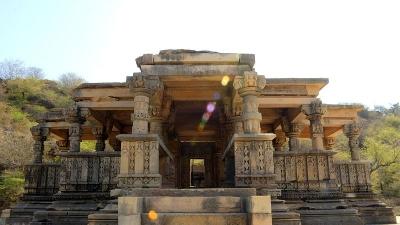 బతేశ్వర్నాథ్ ఆలయం