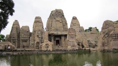 मसरूर मंदिर