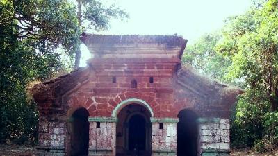 மாதவ்காட் கோட்டை