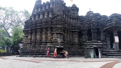 अम्बरेश्वर मंदिर