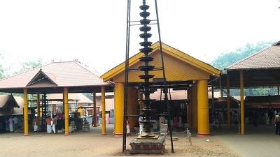 குரும்பக்காவு கோயில்
