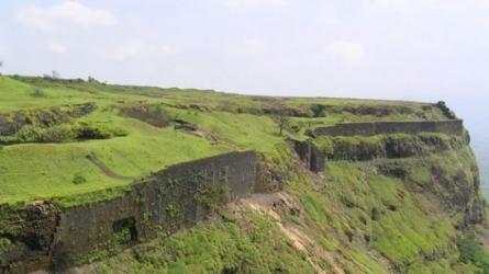 వీసాపూర్ కోట