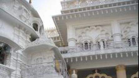 छतरपुर मंदिर