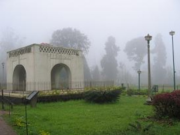 Coorg photos, Raja's seat - A Misty Morning!