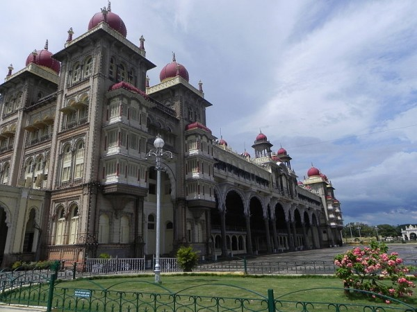 Mysore photos, Mysore Palace - Amidst Gardens