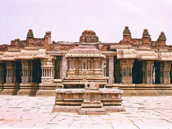 Hampi Photos - Vitthala Temple - Front view