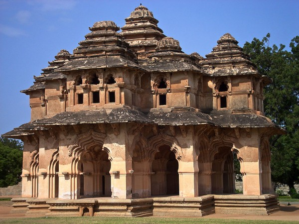Hampi Photos - Lotus Mahal - A Closer view