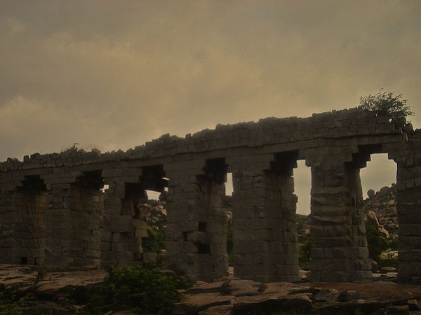 Hampi photos, Aqueducts and Canals